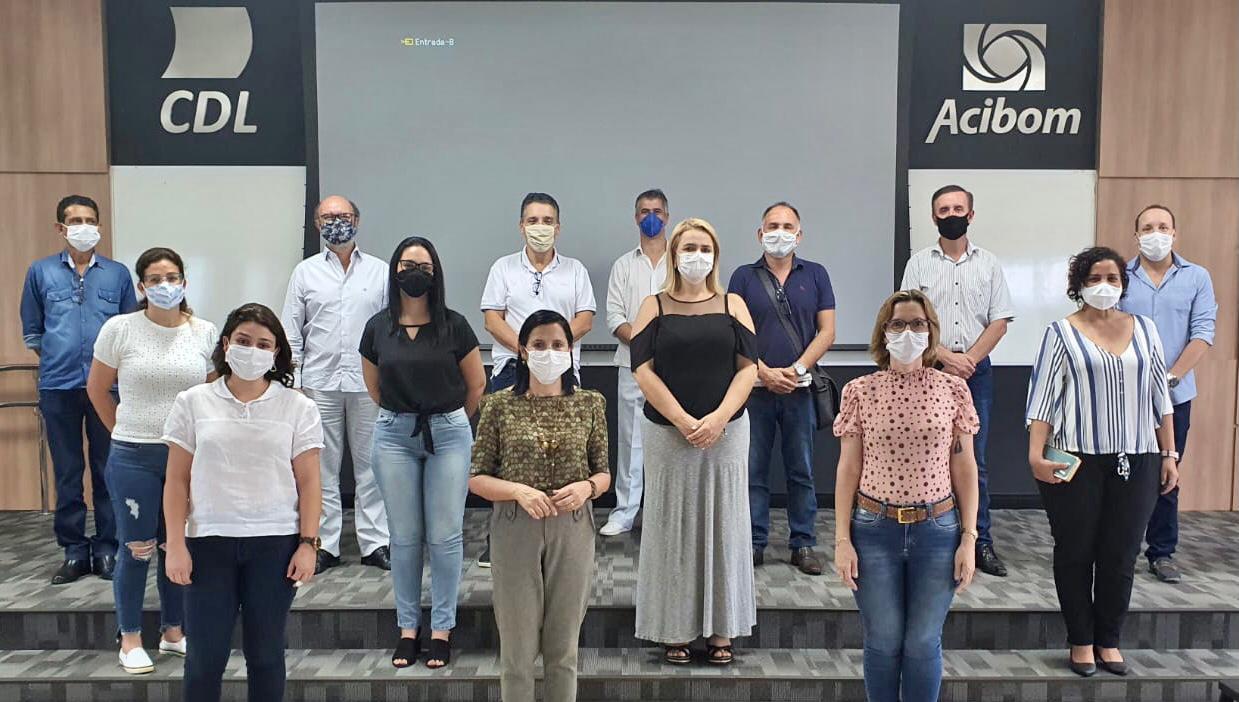 Prefeitos e Secretários de Saúde reunidos em Bom Despacho. (Foto: Asscom/Prefeitura de BD)