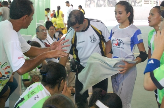 A participação nos Jogos se deu através da conquista do título de campeãs  das etapas regional e estadual. Ressalta o belo trabalho do treinador  Silvinho ... ab8e5c112a662